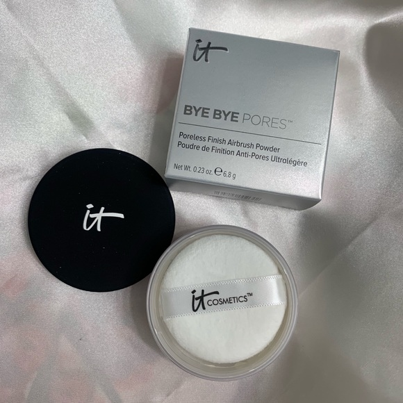 it cosmetics Other - IT Bye Bye Pores Silk HD Anti-Aging Micro-Powder